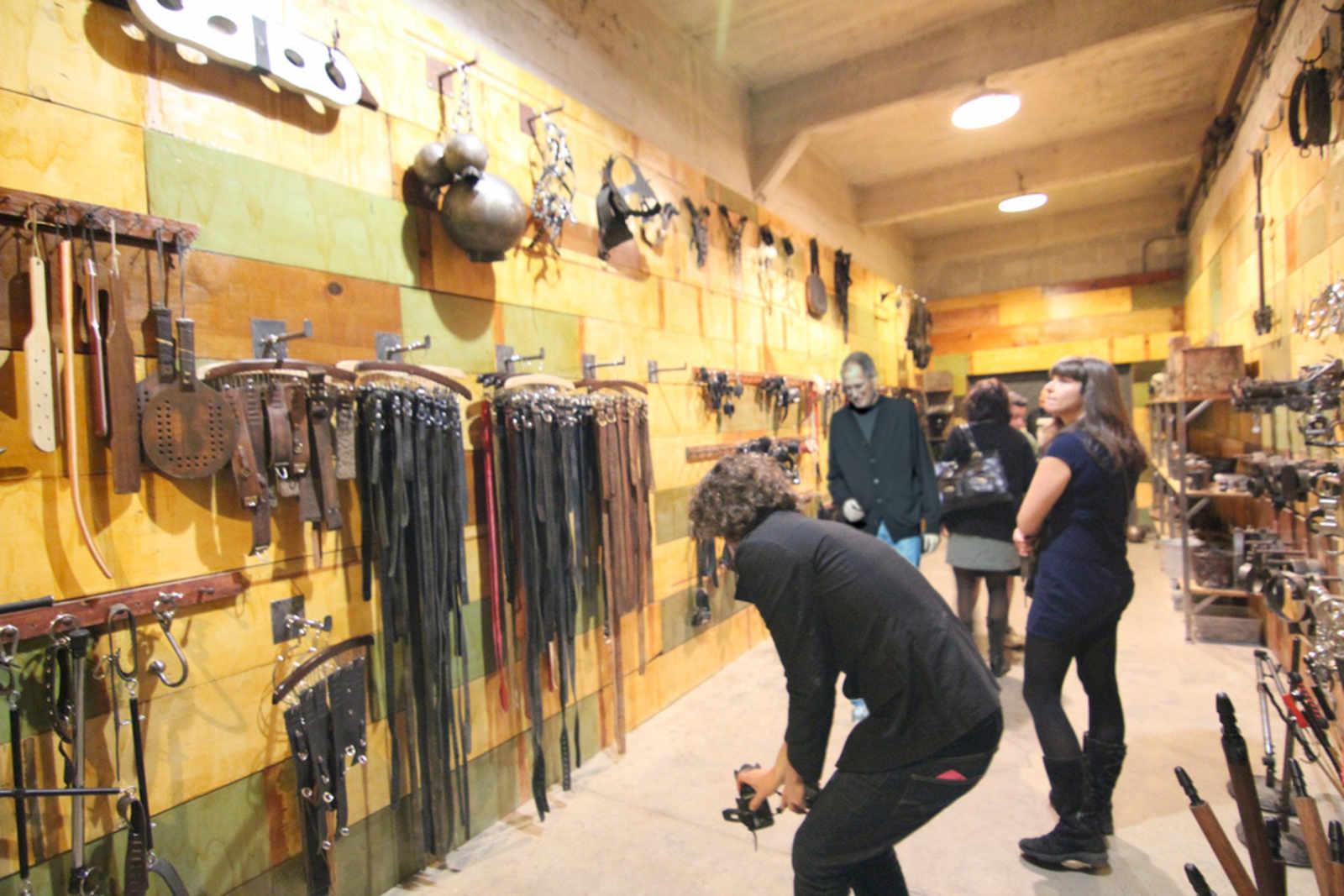 Steve Jobs Spotted Touring the Kink.com Armory | Uptown ...: http://uptownalmanac.com/2011/04/steve-jobs-spotted-touring-kinkcom-armory